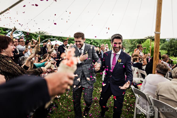 charming luxury-winvian-samesex-barn-wedding-summer-jewish-jagstudios-photography-031