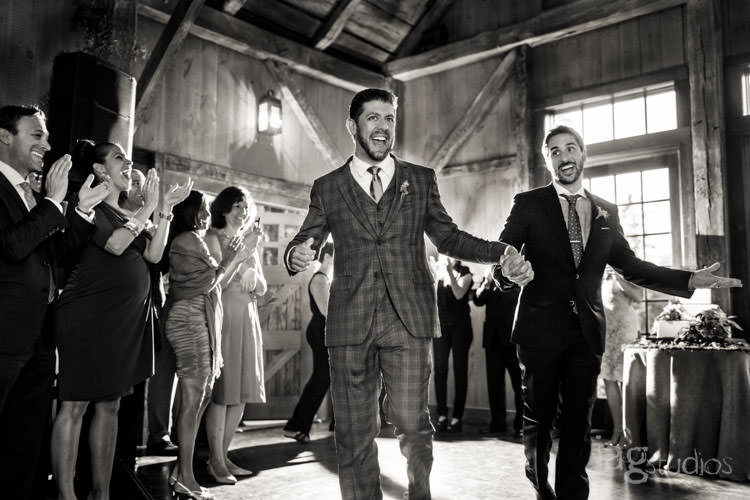 charming luxury-winvian-samesex-barn-wedding-summer-jewish-jagstudios-photography-046