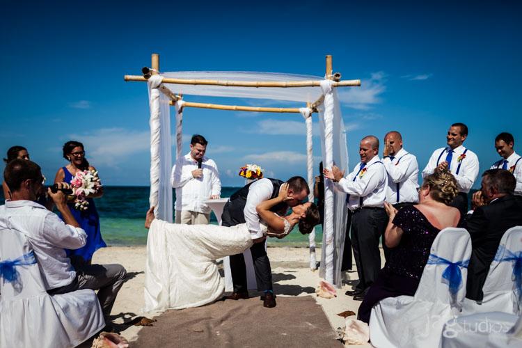destination-mexico-wedding-jagstudios-photography-excellence-resort-brittany-josh-015