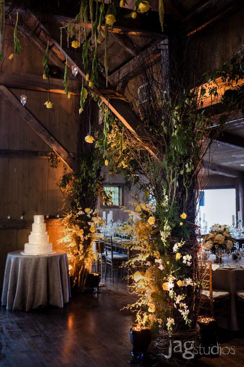 enchanted-luxury-winvian-wedding-fall-barn-jagstudios-johnna-chris-009